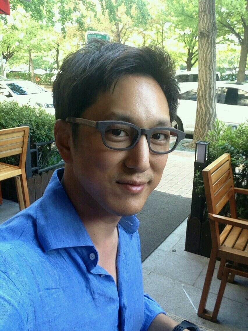韓国アナウンサーハン・ソクジュンさんのSAGAWAFUJII