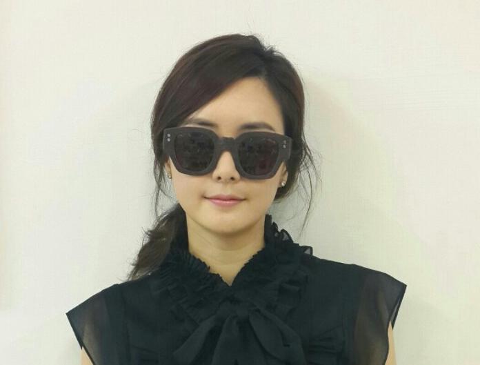 韓国女優チョイ・ジョンユンさんのSAGAWAFUJII